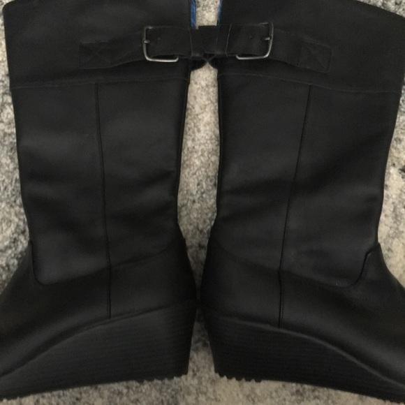 9404401958c CROCS Shoes - CROCS A-Leigh Black Wedge Boots Size 9
